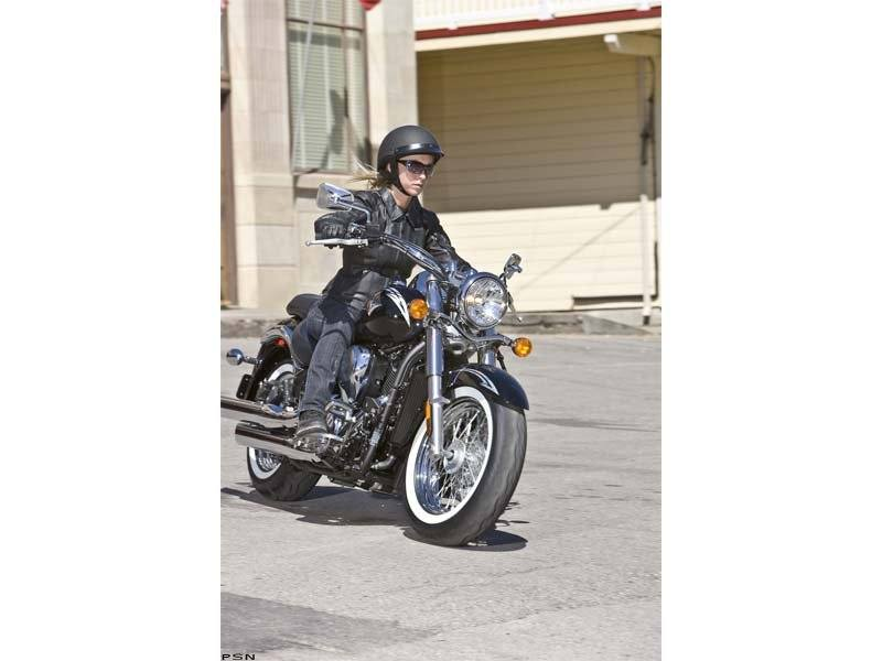 2011 Kawasaki Vulcan® 900 Classic SE in Belleville, Michigan