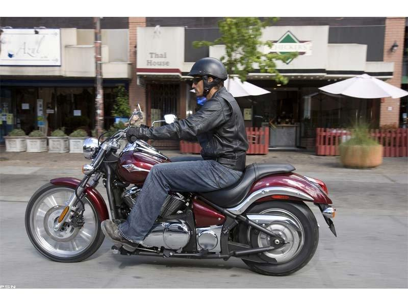 2011 Kawasaki Vulcan® 900 Custom in Greenwood Village, Colorado