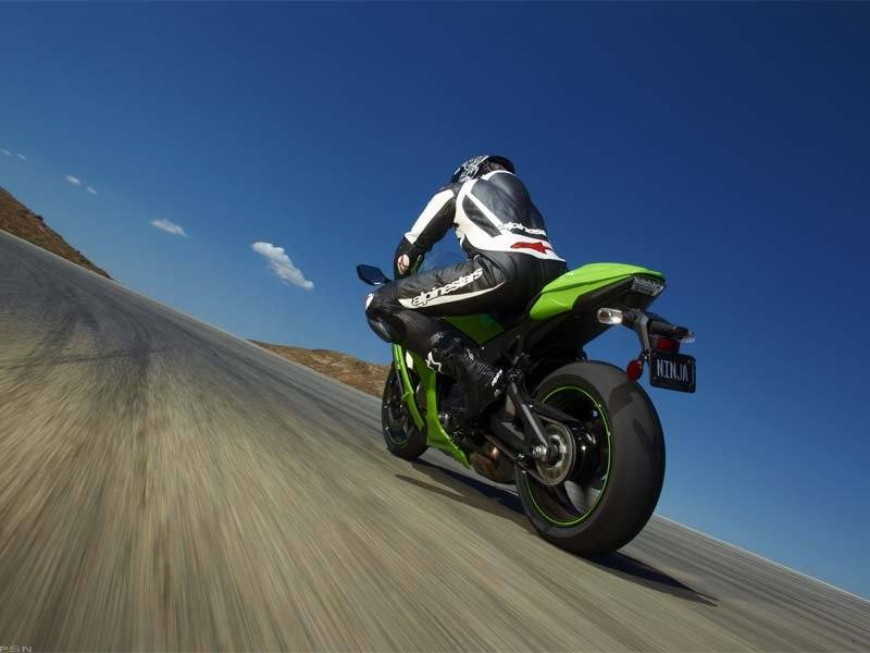 2011 Kawasaki Ninja® ZX™-10R in Middletown, New York - Photo 8