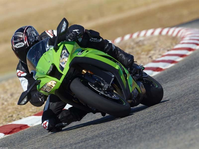 2011 Kawasaki Ninja® ZX™-10R in Middletown, New York - Photo 9