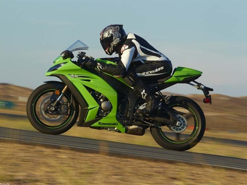 2011 Kawasaki Ninja® ZX™-10R in Middletown, New York - Photo 11