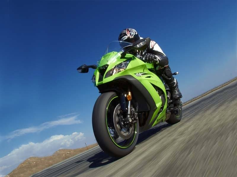 2011 Kawasaki Ninja® ZX™-10R in Middletown, New York - Photo 12