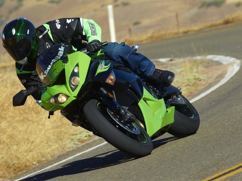 2011 Kawasaki Ninja® ZX™-6R in Asheville, North Carolina - Photo 13