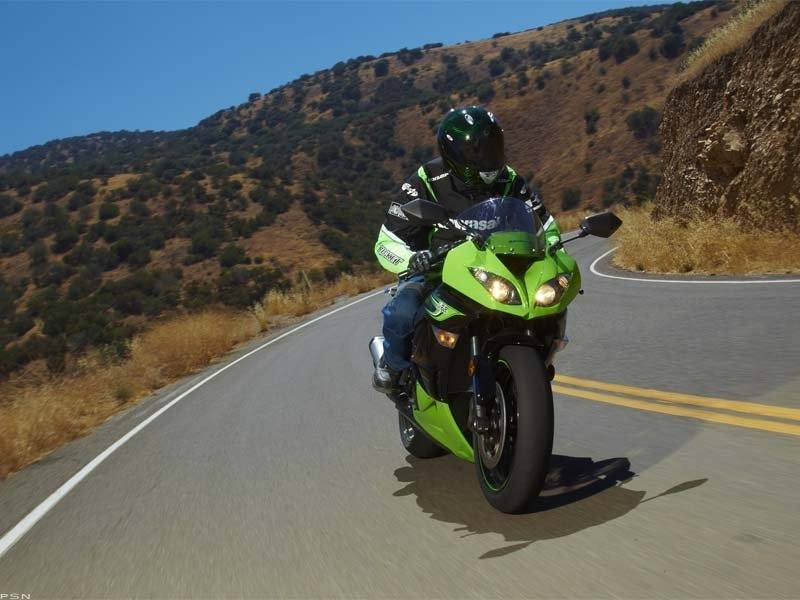 2011 Kawasaki Ninja® ZX™-6R in Asheville, North Carolina - Photo 14