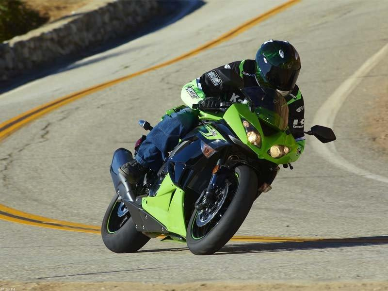 2011 Kawasaki Ninja® ZX™-6R in Asheville, North Carolina - Photo 15