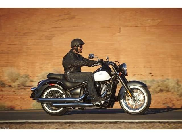 2012 Kawasaki Vulcan® 900 Classic in Algona, Iowa - Photo 9