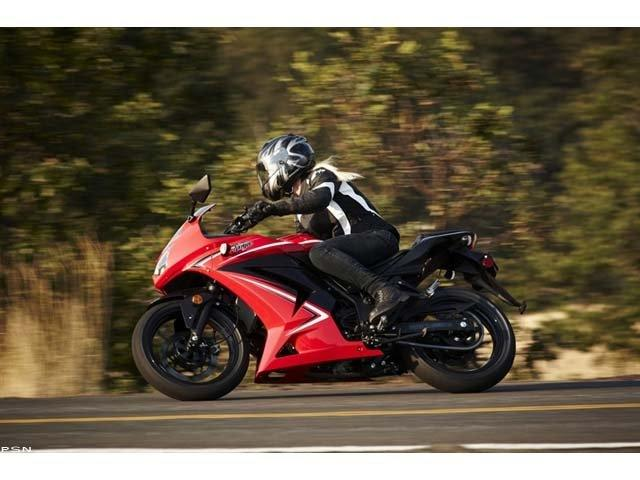 2012 Kawasaki Ninja® 250R in Fremont, California - Photo 9