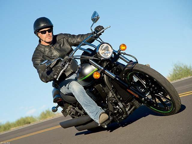 2013 Kawasaki Vulcan® 900 Custom in Auburn, Washington