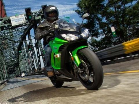 2013 Kawasaki Ninja® 1000 in Fremont, California - Photo 9