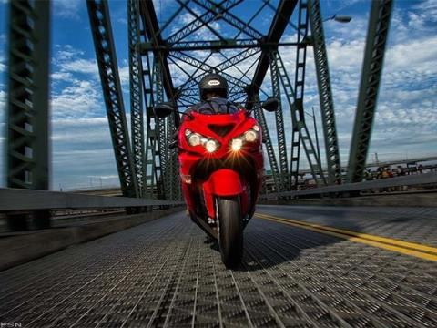 2013 Kawasaki Ninja® ZX™-14R in Guilderland, New York - Photo 14