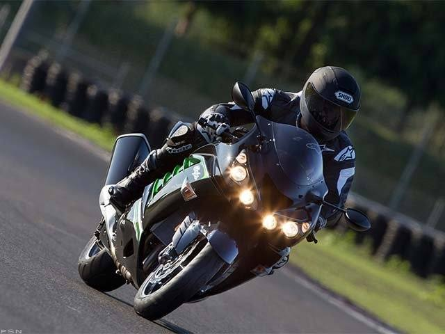 2013 Kawasaki Ninja® ZX™-14R in Guilderland, New York - Photo 17