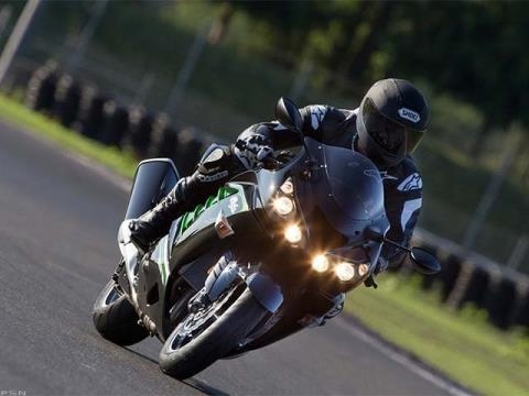 2013 Kawasaki Ninja® ZX™-14R in Iowa City, Iowa - Photo 11
