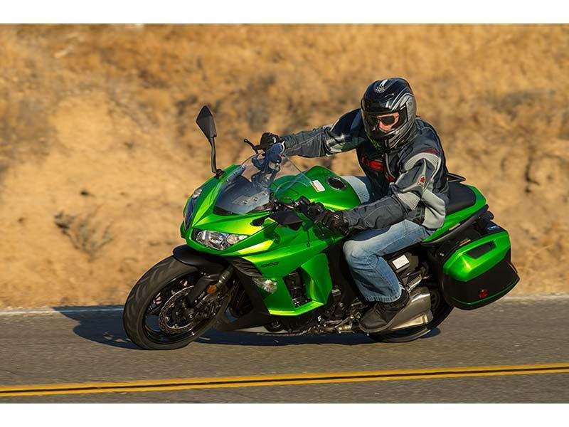 2014 Kawasaki Ninja® 1000 ABS in Redding, California - Photo 10