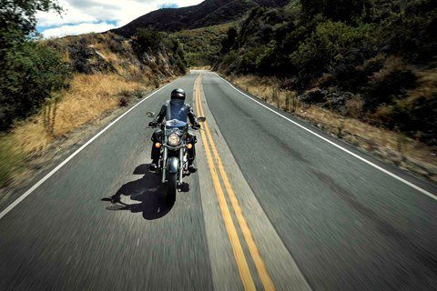 2015 Kawasaki Vulcan® 900 Classic LT in North Reading, Massachusetts - Photo 10