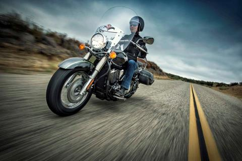 2015 Kawasaki Vulcan® 900 Classic LT in North Reading, Massachusetts