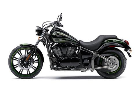 2015 Kawasaki Vulcan® 900 Custom in Greenwood Village, Colorado