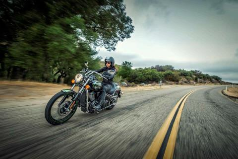 2015 Kawasaki Vulcan® 900 Custom in Austin, Texas