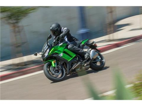 2015 Kawasaki Ninja® 1000 ABS in Romney, West Virginia