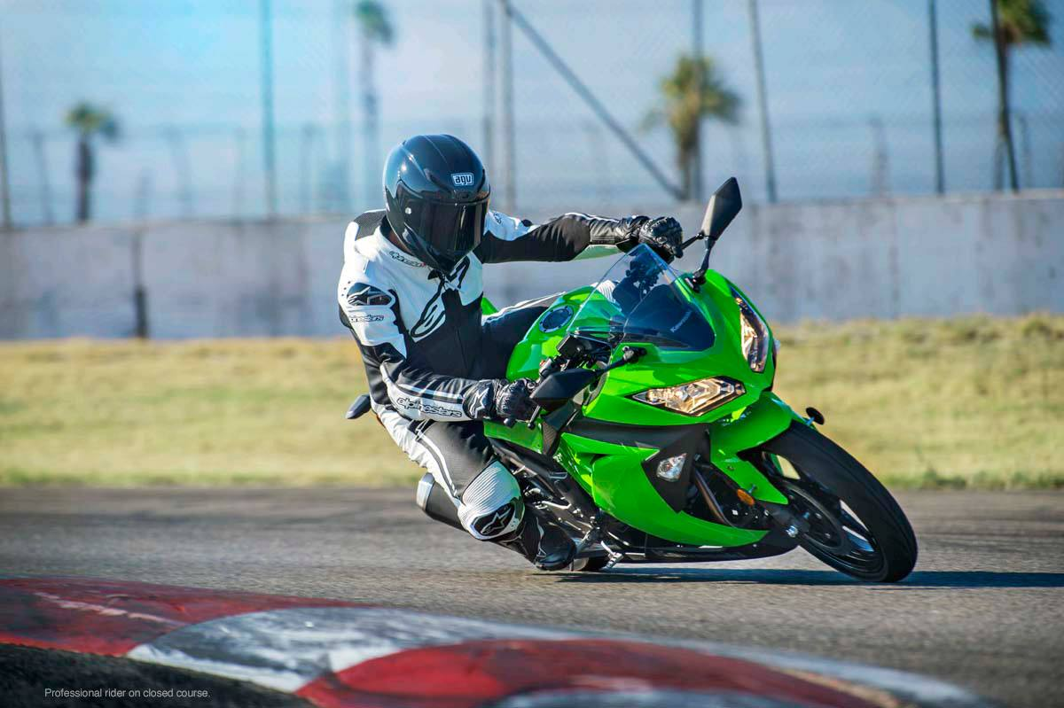 2015 Kawasaki Ninja® 300 ABS in North Reading, Massachusetts - Photo 18