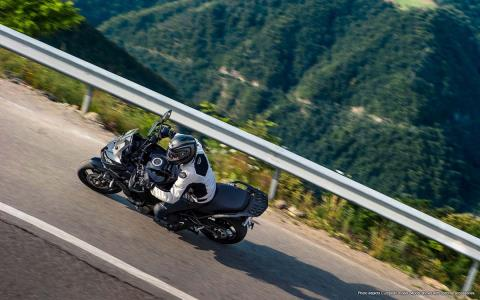 2015 Kawasaki Versys® 1000 LT in North Reading, Massachusetts - Photo 18