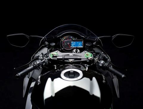2015 Kawasaki Ninja H2™ in North Reading, Massachusetts - Photo 31