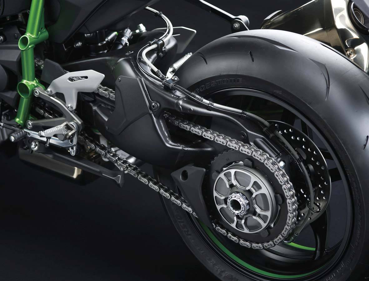 2015 Kawasaki Ninja H2™ in North Reading, Massachusetts - Photo 34
