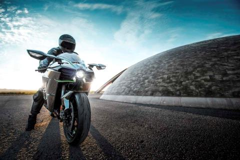 2015 Kawasaki Ninja H2™ in North Reading, Massachusetts - Photo 55