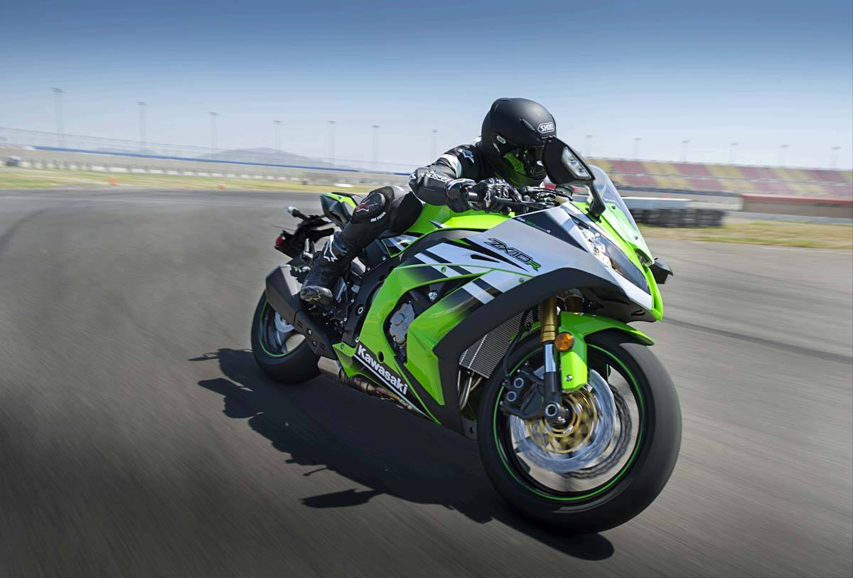 2015 Kawasaki Ninja® ZX™-10R ABS in North Reading, Massachusetts - Photo 4