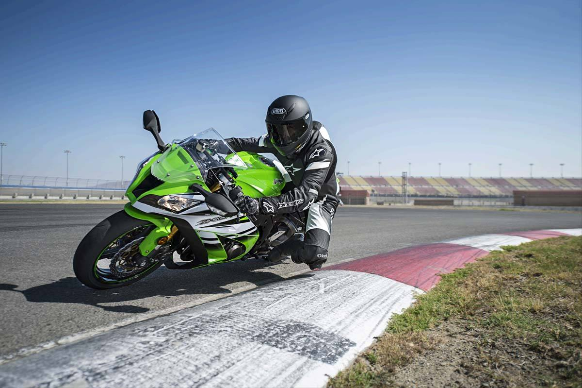 2015 Kawasaki Ninja® ZX™-10R ABS in North Reading, Massachusetts - Photo 6
