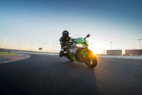 2015 Kawasaki Ninja® ZX™-10R ABS in North Reading, Massachusetts - Photo 10