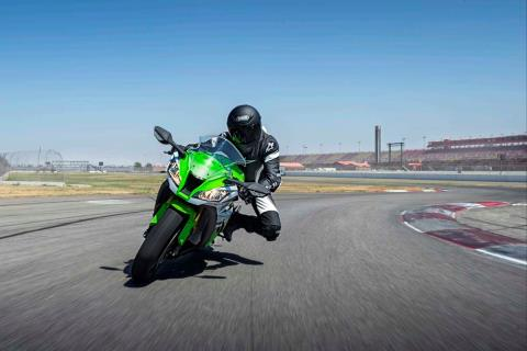 2015 Kawasaki Ninja® ZX™-10R ABS in North Reading, Massachusetts - Photo 15