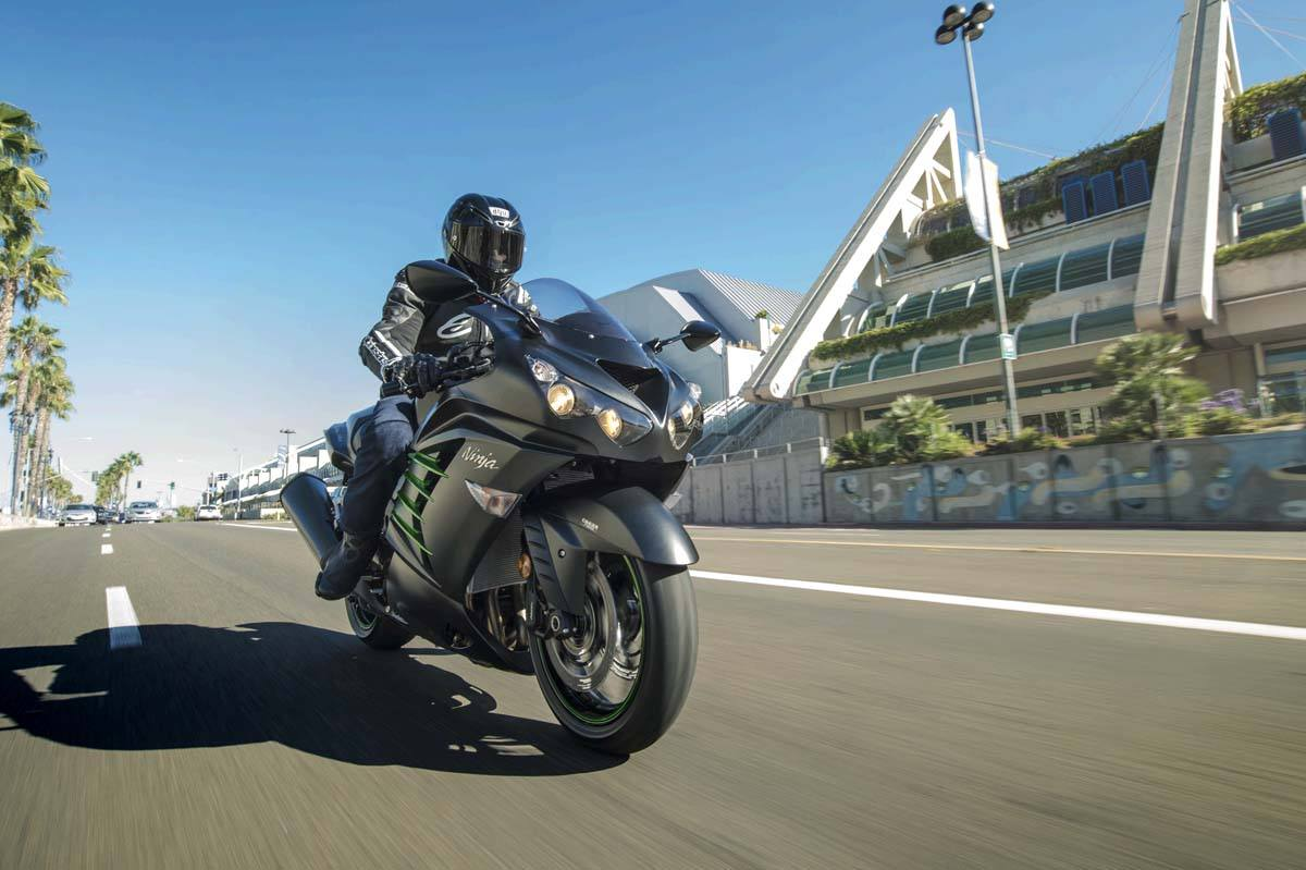 2015 Kawasaki Ninja® ZX™-14R ABS in North Reading, Massachusetts - Photo 15