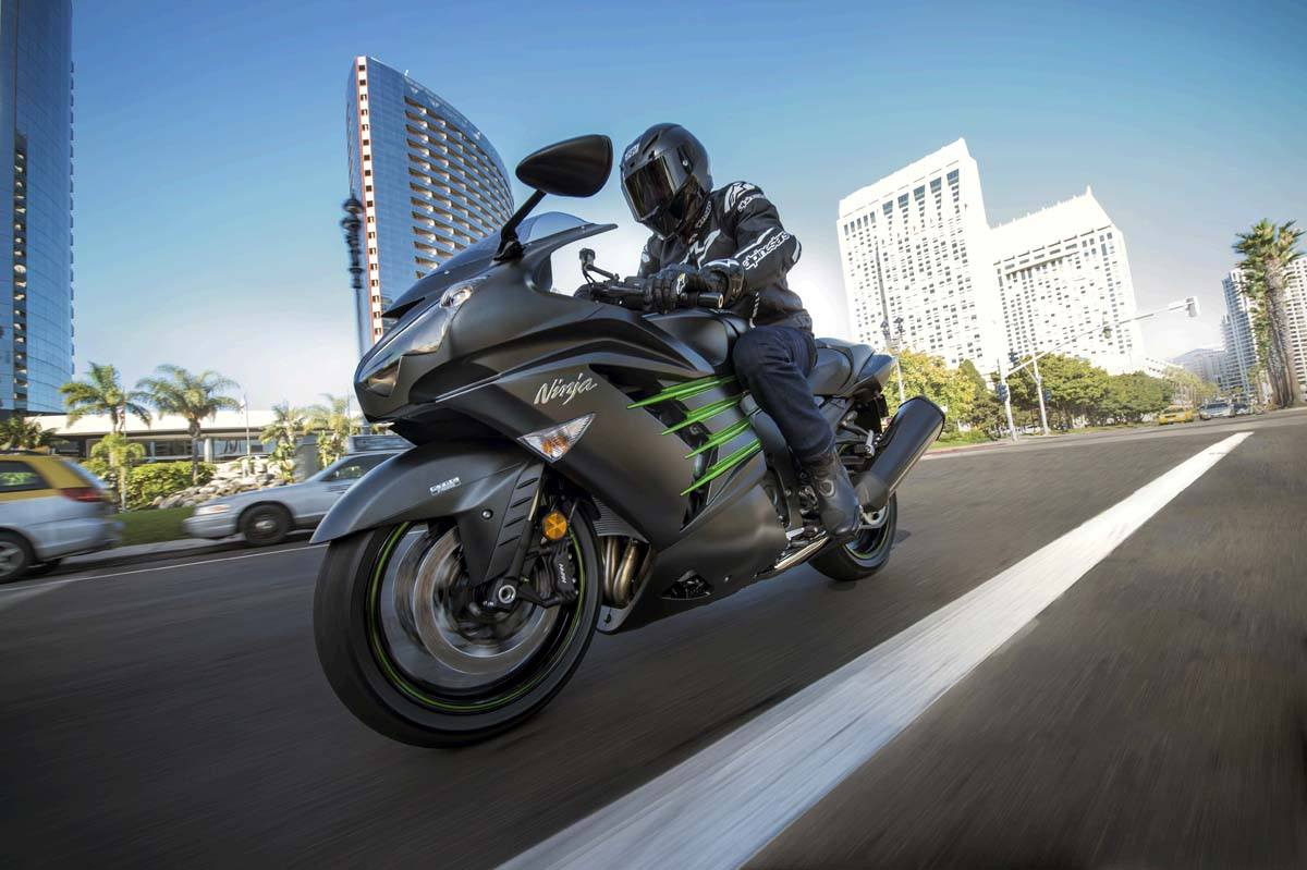 2015 Kawasaki Ninja® ZX™-14R ABS in North Reading, Massachusetts - Photo 16