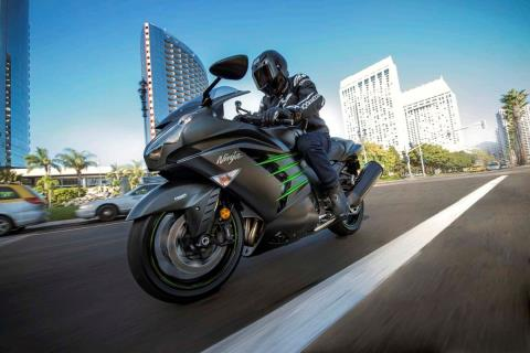 2015 Kawasaki Ninja® ZX™-14R ABS in Pahrump, Nevada - Photo 17