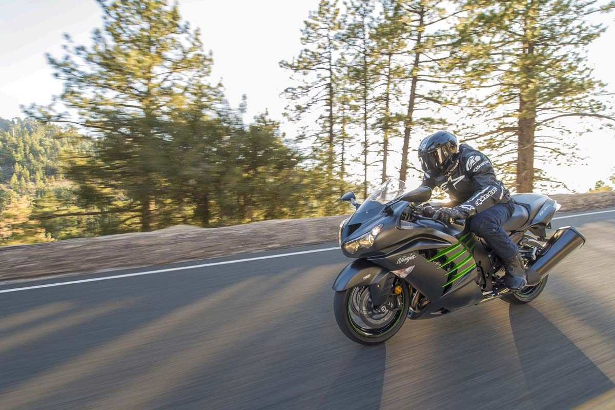 2015 Kawasaki Ninja® ZX™-14R ABS in North Reading, Massachusetts - Photo 17