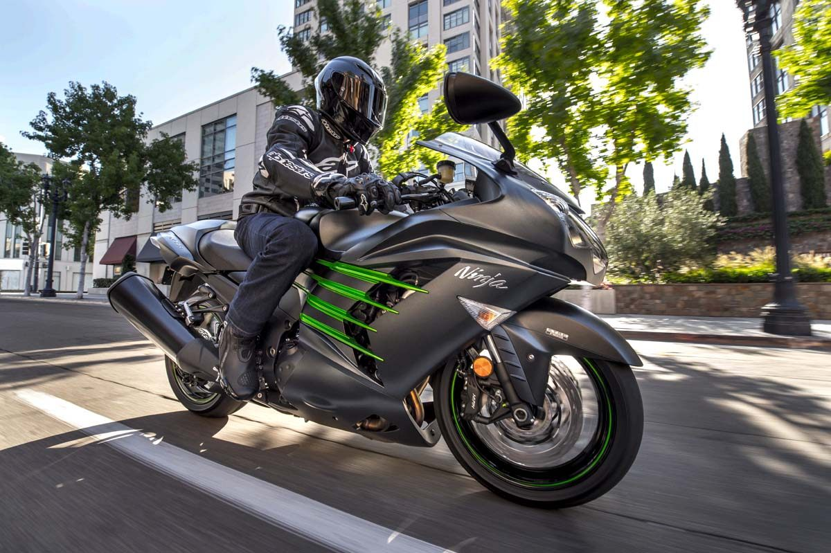 2015 Kawasaki Ninja® ZX™-14R ABS in North Reading, Massachusetts - Photo 18