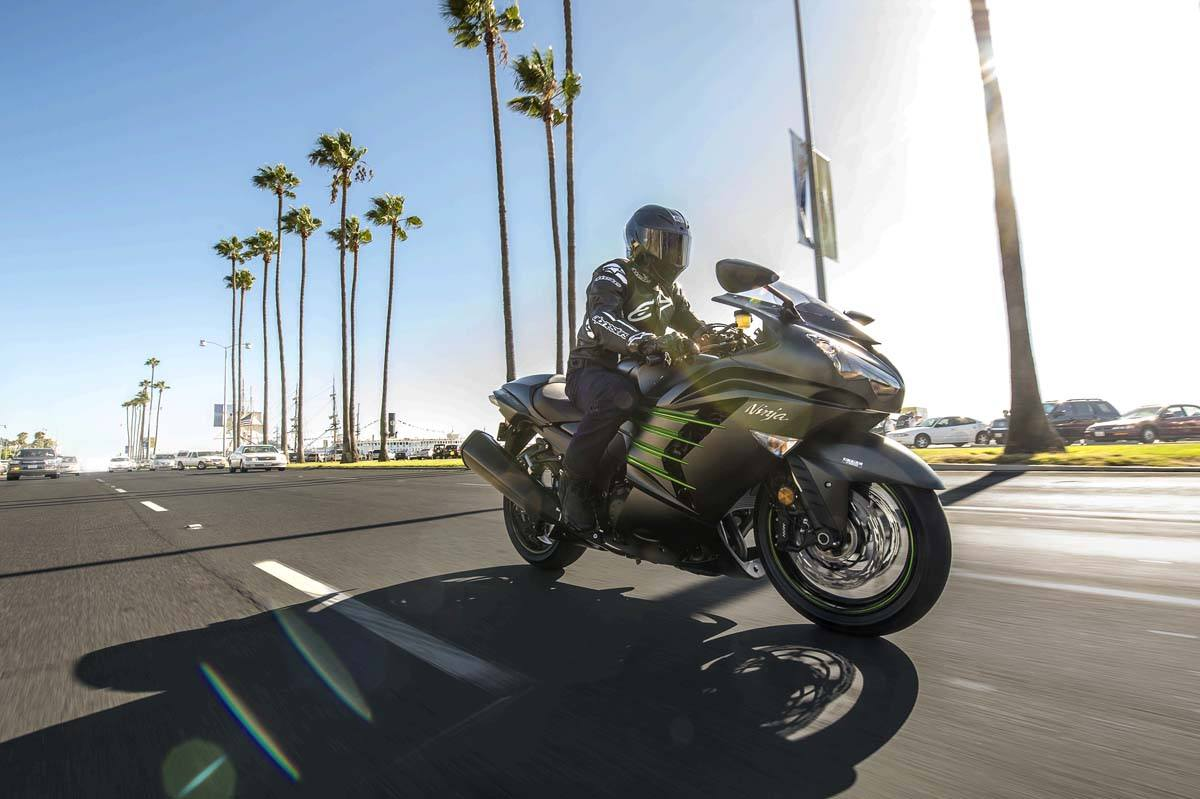 2015 Kawasaki Ninja® ZX™-14R ABS in Pahrump, Nevada - Photo 22
