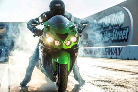 2015 Kawasaki Ninja® ZX™-14R ABS in North Reading, Massachusetts - Photo 25