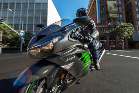 2015 Kawasaki Ninja® ZX™-14R ABS in North Reading, Massachusetts - Photo 26