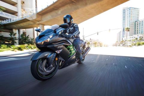 2015 Kawasaki Ninja® ZX™-14R ABS in North Reading, Massachusetts - Photo 27