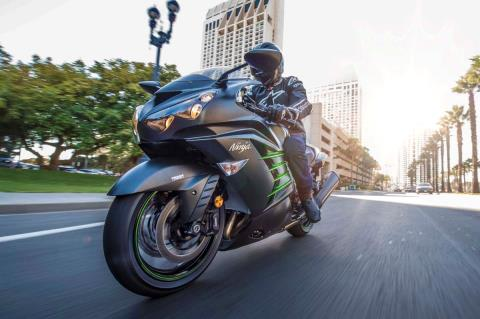 2015 Kawasaki Ninja® ZX™-14R ABS in North Reading, Massachusetts - Photo 29