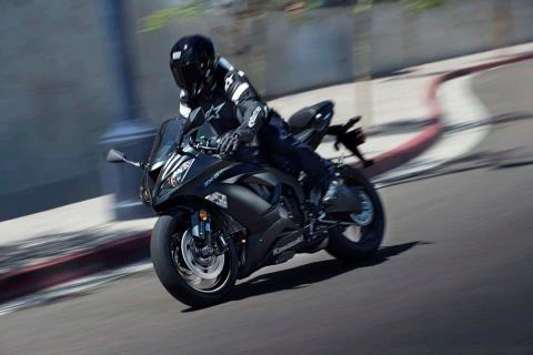 2015 Kawasaki Ninja® ZX™-6R in North Reading, Massachusetts - Photo 11