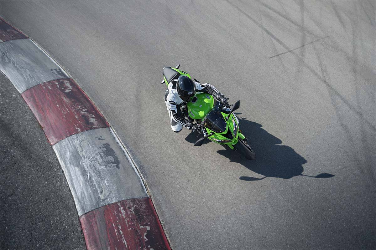 2015 Kawasaki Ninja® ZX™-6R 30th Anniversary in North Reading, Massachusetts - Photo 14