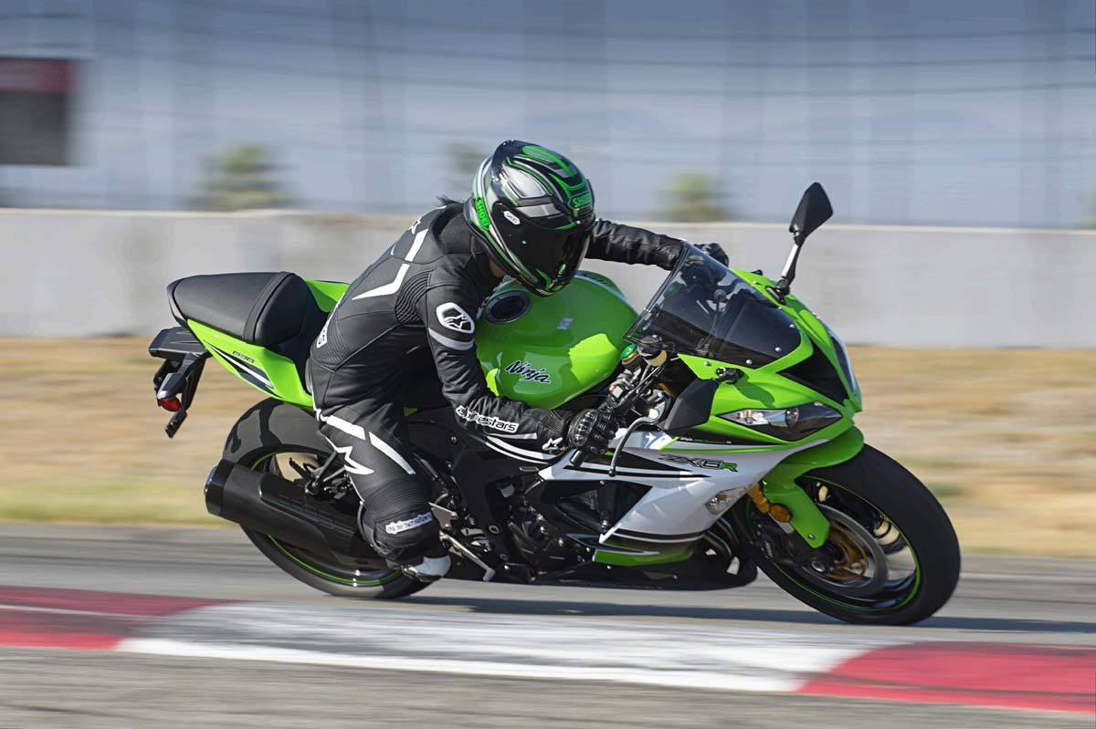 2015 Kawasaki Ninja® ZX™-6R 30th Anniversary in North Reading, Massachusetts - Photo 15