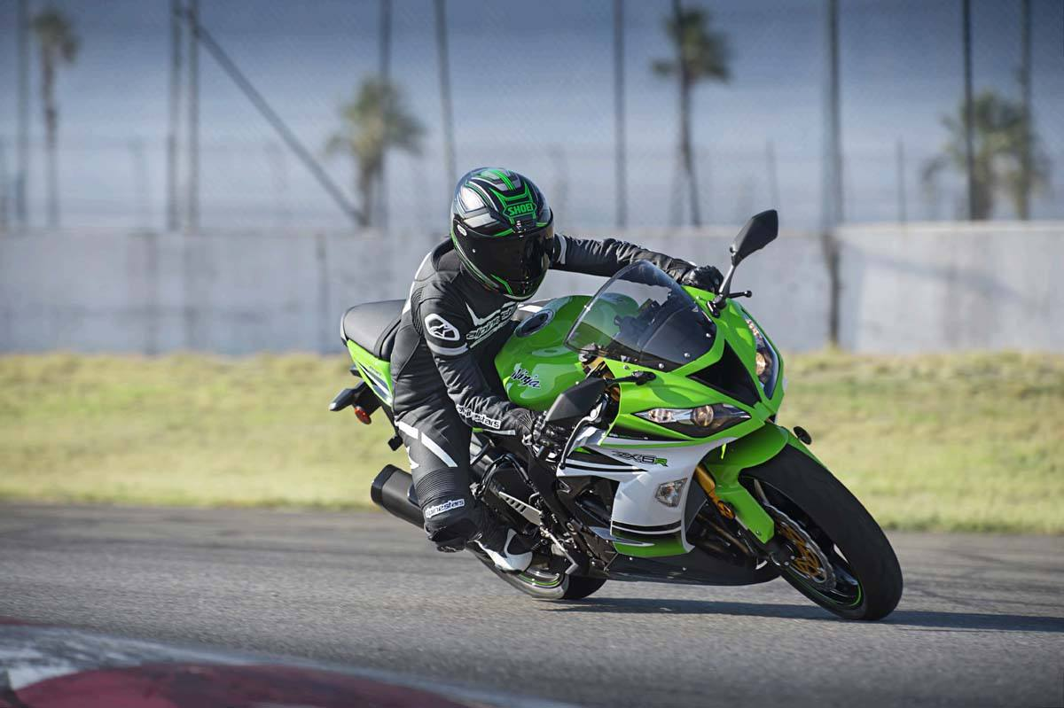 2015 Kawasaki Ninja® ZX™-6R 30th Anniversary in North Reading, Massachusetts - Photo 16
