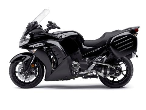 2015 Kawasaki Concours® 14 ABS in North Reading, Massachusetts - Photo 3