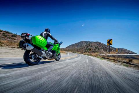 2015 Kawasaki Concours® 14 ABS in North Reading, Massachusetts - Photo 17