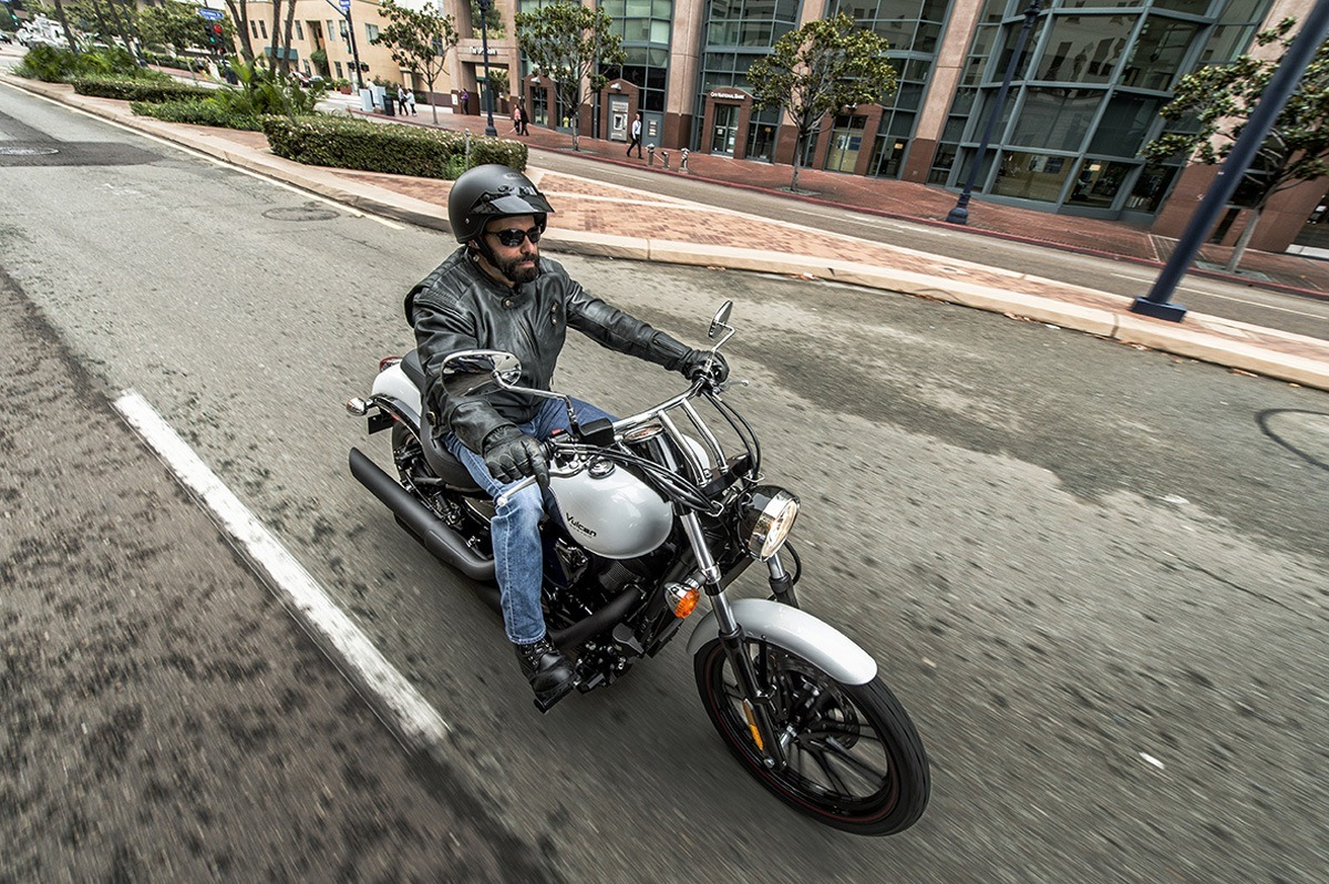 2016 Kawasaki Vulcan 900 Custom in Chula Vista, California - Photo 38