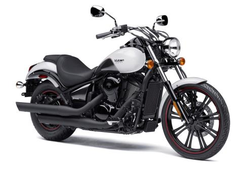 2016 Kawasaki Vulcan 900 Custom in Winterset, Iowa