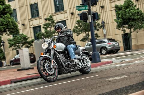 2016 Kawasaki Vulcan 900 Custom in Marina Del Rey, California